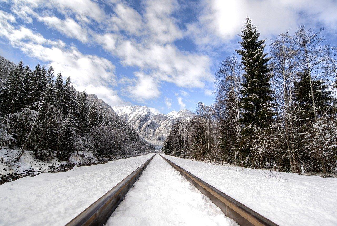電車 風景 自然 線路
