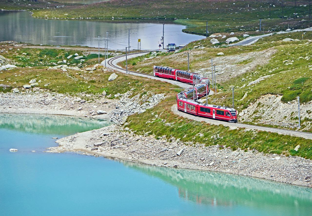鉄道 世界遺産 スイス 自然 風景