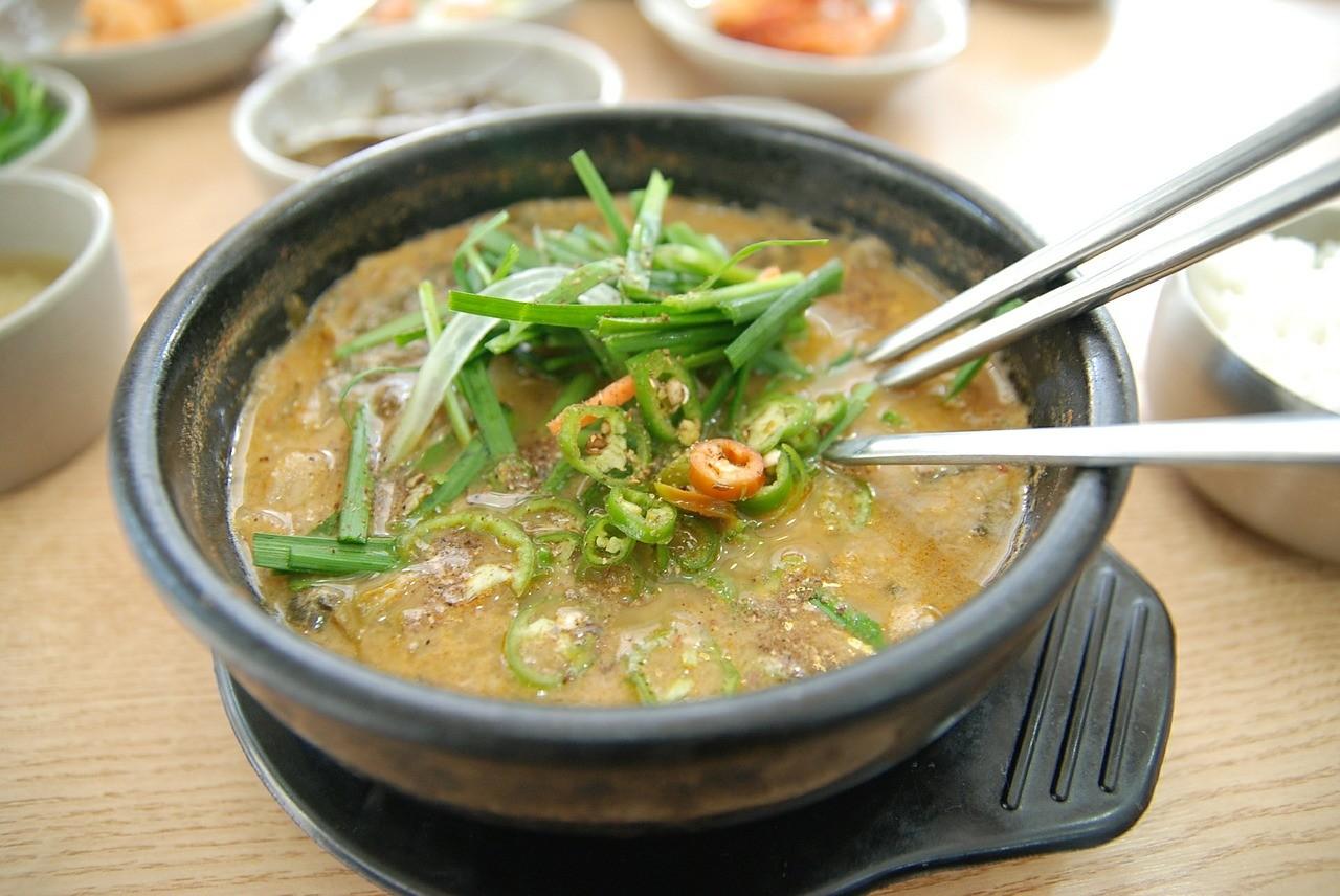 お鍋 食事 アジア