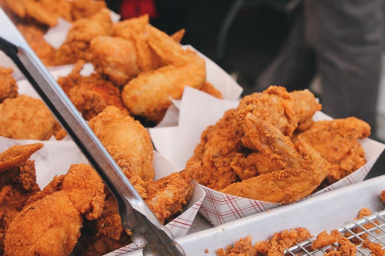 お肉 食事 揚げ物 チキン