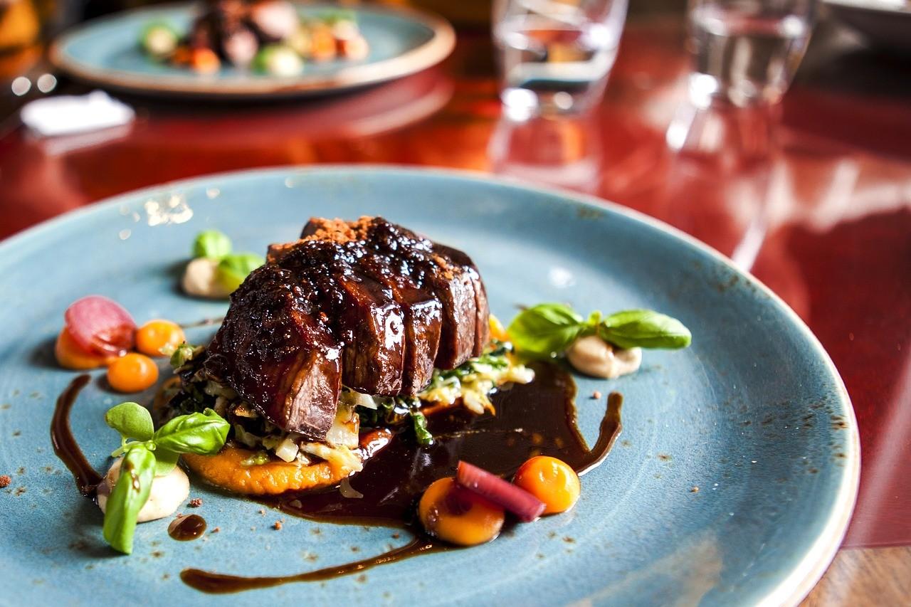 ステーキ お肉 食事 洋食 高級 レストラン